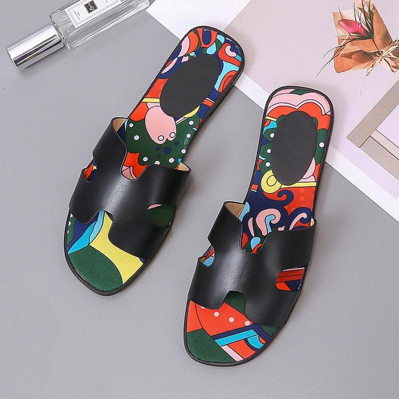 Летние тапочки; Роскошные модные брендовые дизайнерские женские шлепанцы; богемные сандалии; женская пляжная обувь высокого качества на плоской подошве с граффити