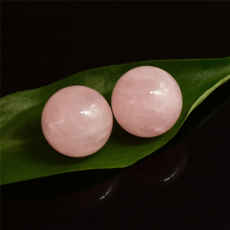 Crystal Sphere 2 pcs 20 mm Natural Rose Quartz Hand Massager Crystal Ball Healing Chakra Reiki Ball Natural Stone and Mineral