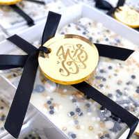 100 stück Personalisierte Gold Münzen Wein Charme Für Hochzeit Gefälligkeiten Runde Tisch Dekoration Tag Für Engagement/Jahrestag/Party