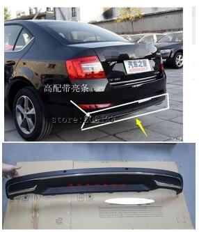 Diffuseur de pare-chocs arrière noir PP de haute qualité, lèvre arrière de voiture automatique avec ligne de chrome pour skoda Octavia 4dr ou 5dr 2014 2015 2016 2017
