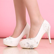Koovan 2017 New Fashion Diamond High Heels Shoes Fine With White Flowers Fringed Leather Women Wedding Bridal Shoes Women Pumps