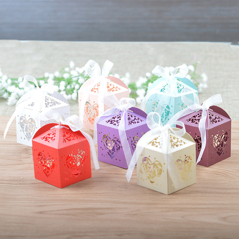 100pcs/lot Heart Shaped LOVE Laser Cut Gift Candy Boxes