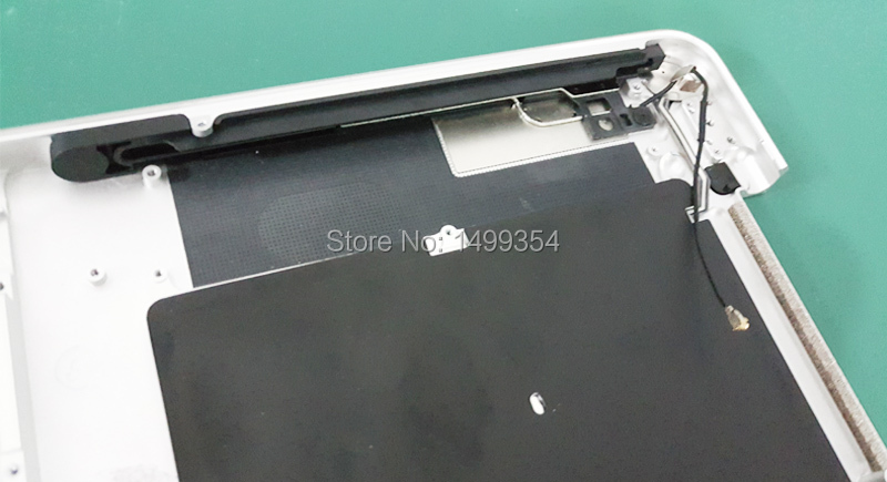 a1286 2011 topcase with keyboard 03