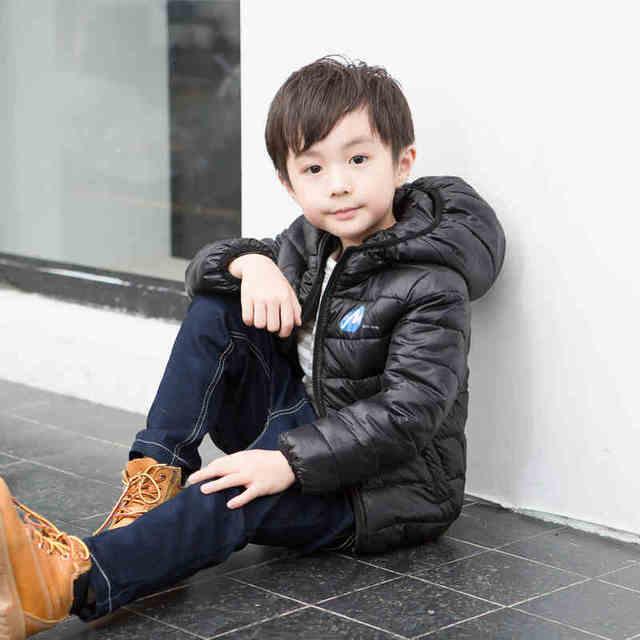 Ropa masculina niño wadded prendas de vestir exteriores 2016 otoño y el invierno niño del diseño corto engrosamiento chaqueta de algodón acolchado