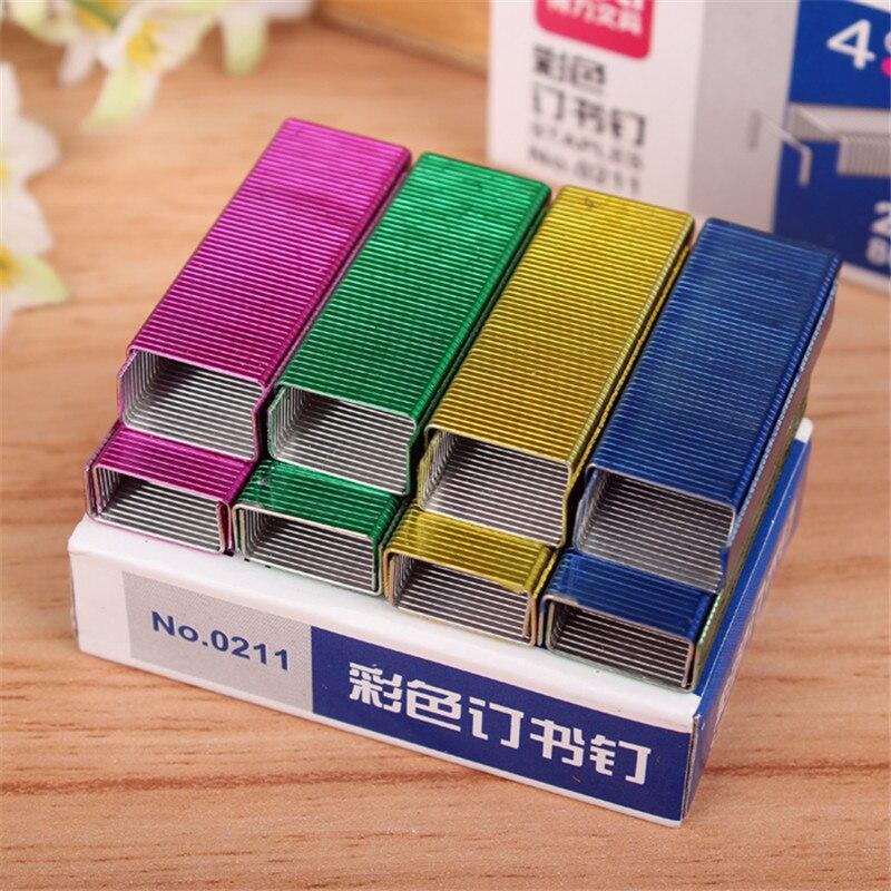 2020 الملونة دباسة كتاب ستابلز خياطة إبرة 1.2 سنتيمتر كتاب ستابلز 800 قطعة/صندوق اللوازم المكتبية