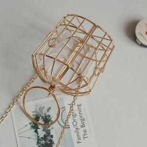 Image 4 - נשים של כלוב ציפורים ערב תיק מצמד מתכת מסגרת רקמת דלי ציפור כלוב מיני תיק ארנק נשים זהב טאסל תיק