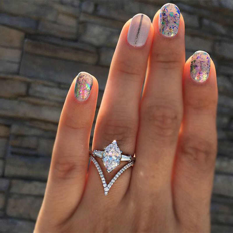 Anillo de mujer diseño creativo de forma con gran anillo blanco brillante de Zirconia cúbica moda damas compromiso banquete joyería fina