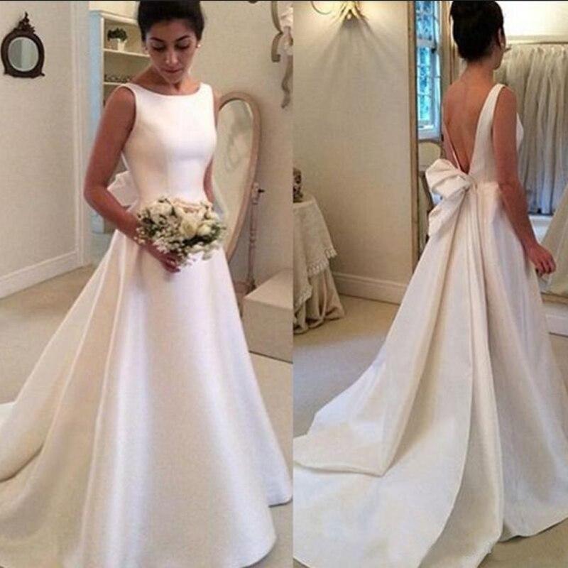 Simple pas cher haute qualité Satin dos nu robe de mariée élégant Bateau une ligne balayage Train dos nu robes de mariée