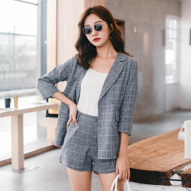 Bolsillos Plaid pantalones cortos trajes para las mujeres doble Breasted  muesca Blazer chaqueta y los cortocircuitos 1e4a3c4c7dfd