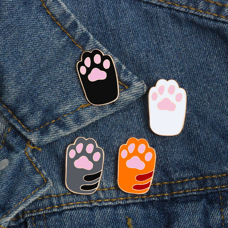 Kawaii 4 colors dog cat claws metal pin brooches women denim sweater skirt backpack badge family icon button festival gifts