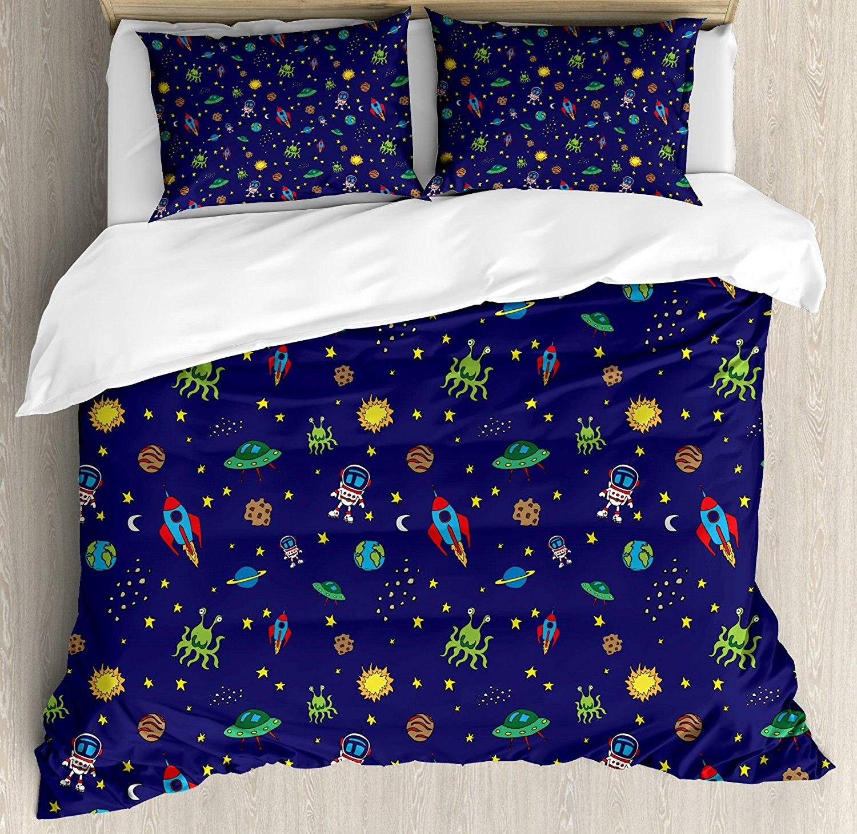Пространство постельное белье каракули Стиль мультфильм ракета космонавт и НЛО чужеродных Life Forms земли небесных тел, 4 шт. Постельное белье