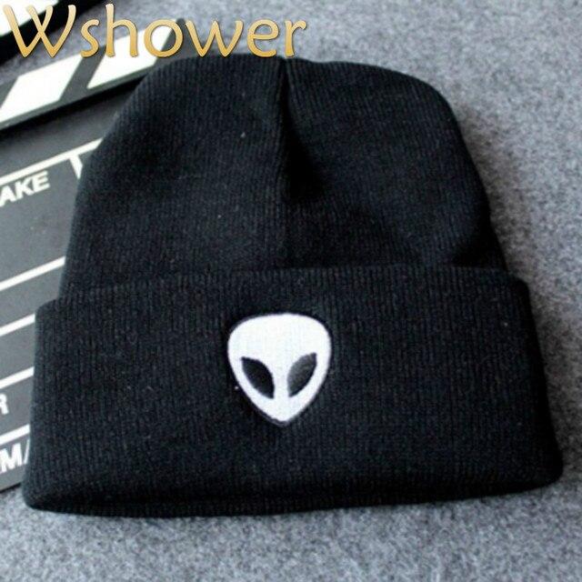 Que en la ducha mujeres hombres invierno skullies Beanie punto Bordado  Alien sombreros hombre mujer capo 884adca8c1c