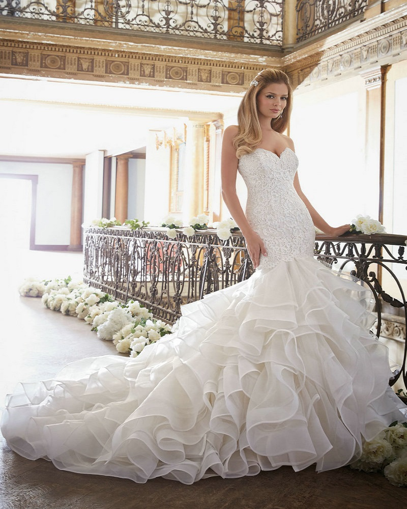 Wedding Gown With Ruffles: Long Mermaid Wedding Dress With Ruffle Skirt Elegant Lace