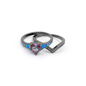 Женские винтажные кольца с опаловым сердечком, 2 шт., модные украшения для помолвки, кольца черного и золотого цветов с радужным синим камнем