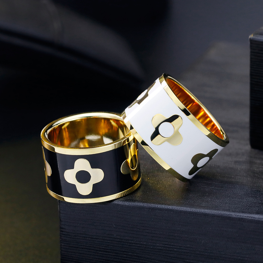 Cover Silk Scarf Buckle Rings Women Lovers Titanium Gold Cashmere Scarf Buckle Necklace Pendant 2019 Jewelry