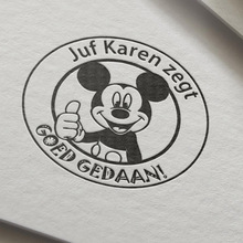 Holenderski mysz goed gedaan prezent dla nauczyciela znaczek spersonalizowana nazwa własna pieczęć self inking na prezent szkoła z Micke świetna robota