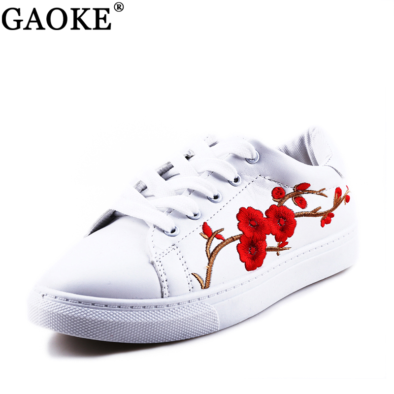 Femmes Chaussures 2018 Printemps Broderie Fleur Femelle Chic Casual Chaussures Sneakers En Cuir Chaussures Blanc Rouge Floral Vintage Style 36-40