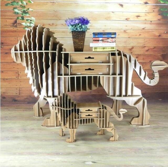 A nova modelagem leão lado alguns mesa da varanda estante criativa de madeira interior para definir o Nórdico cru elemento de exportação