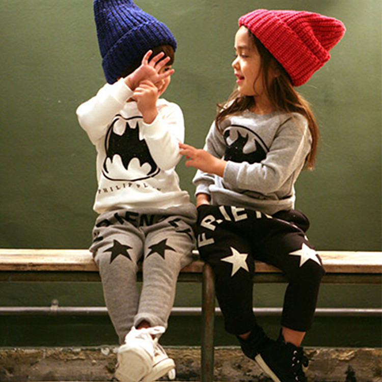 new 2015 autumn winter cotton letter Bats pattern hooded+star pants 2pcs kids clothes boys sets suit 2~7 age girl clothing set