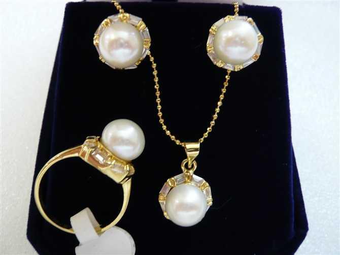 Palavra multa peridoto brincos/anel/colar conjunto pingente assistir atacado conjuntos de jóias para as mulheres choker de cristal anime