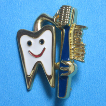 Dental Badge clinic gift Metal Tooth Type Shape Molar Brooch Dentist Hygienist Pin Accessories Adornment