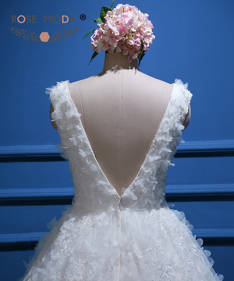 7e2701ae2a24 Rose Moda Vintage Lace Ball Gown V Tillbaka 3D Flower Wedding Dress ...