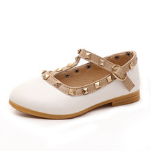 New Girls Sandals Kids Leather Shoes Children Rivets Leisure Sneakers Hot Princess Dance