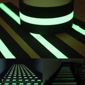 Image 4 - 50mmX5m זוהר בחושך קלטת למחצה זוהר אנטי להחליק חלבית קלטת עבור בטוח