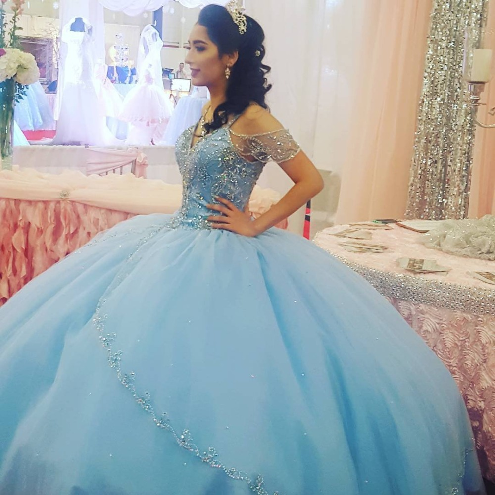 Blue Puffy Cheap Quinceanera Dresses Ball Gown V-neck Tulle Beaded Crystals Party Sweet 16 Dresses