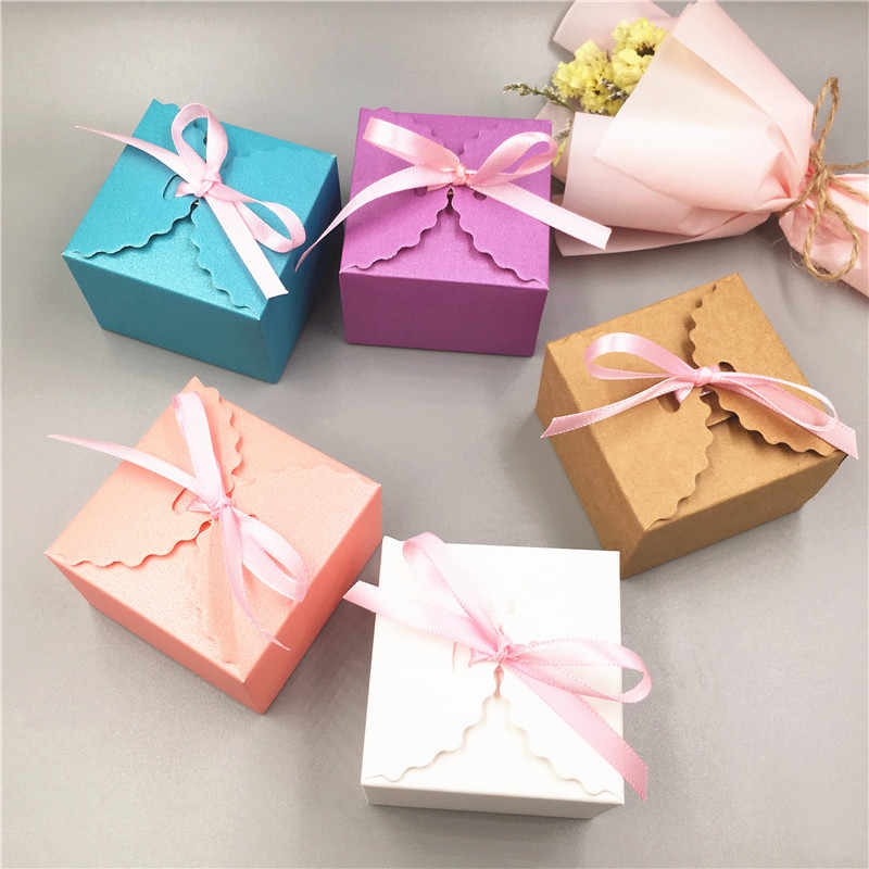 Kraft Cardboard Storage Box Sweet Valentine's Day Wedding Gift Packaging Box Souvenir Craft Favor Supplies + Ribbon
