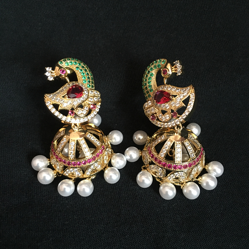 India Bollywood Jhumka Earrings, Artificial pearls Golden Plated, Peacock Jhumki Chandelier Earrings India bride Jewellery shining rhinestone peacock colorful femininity earrings golden pair