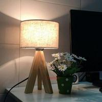 3 leg moderna mesa de madeira lâmpadas de mesa para sala de estudo das crianças quarto quarto de madeira luzes da tabela led desk luz com sombra Escritorio Luminária de mesa     -