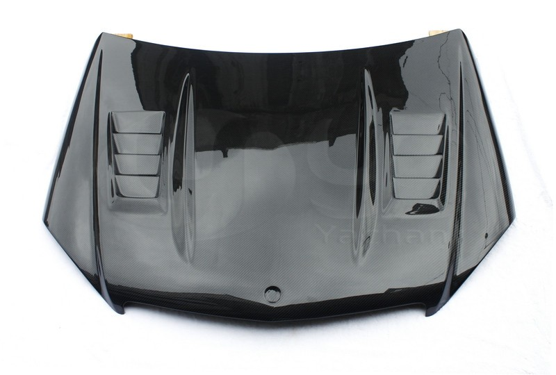 2008-2010 Mercedes Benz W204 C-Class DTM Style Hood Bonnet CF (1)