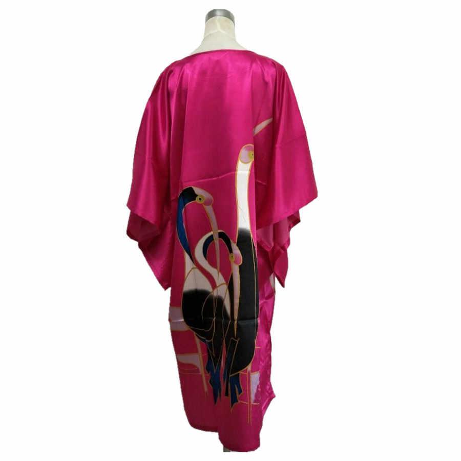 חם ורוד חידוש סיני נשים של מסורתי סאטן חלוק סקסי הלבשת כותונת טרקלין מקסים בגדי שנת אחד גודל