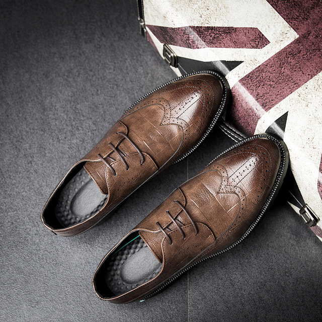 2018Fashion Mens Dress Office Leather Shoes Casual Party Driving Oxfords Handmade  Shoes Man Vintage Carved Brogue Flats 8fb5cdd9e4a5