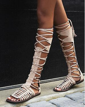 цены на New 2017 Women Flat Gladiator Knee High Boots Suede Leather High Quality Sandal Boots Lace Up Sexy Summer Bohemia Ladies Boots в интернет-магазинах
