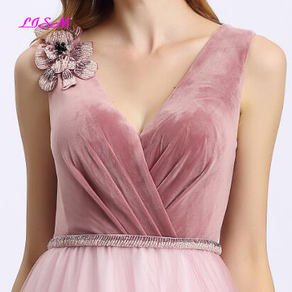Pink V Neck Prom Dresses 2019 Sweet Flowers Beadings Girls Party Gowns Elegant A Line Straps Lace up Back Tulle Bridesmaid Dress in Prom Dresses from Weddings Events