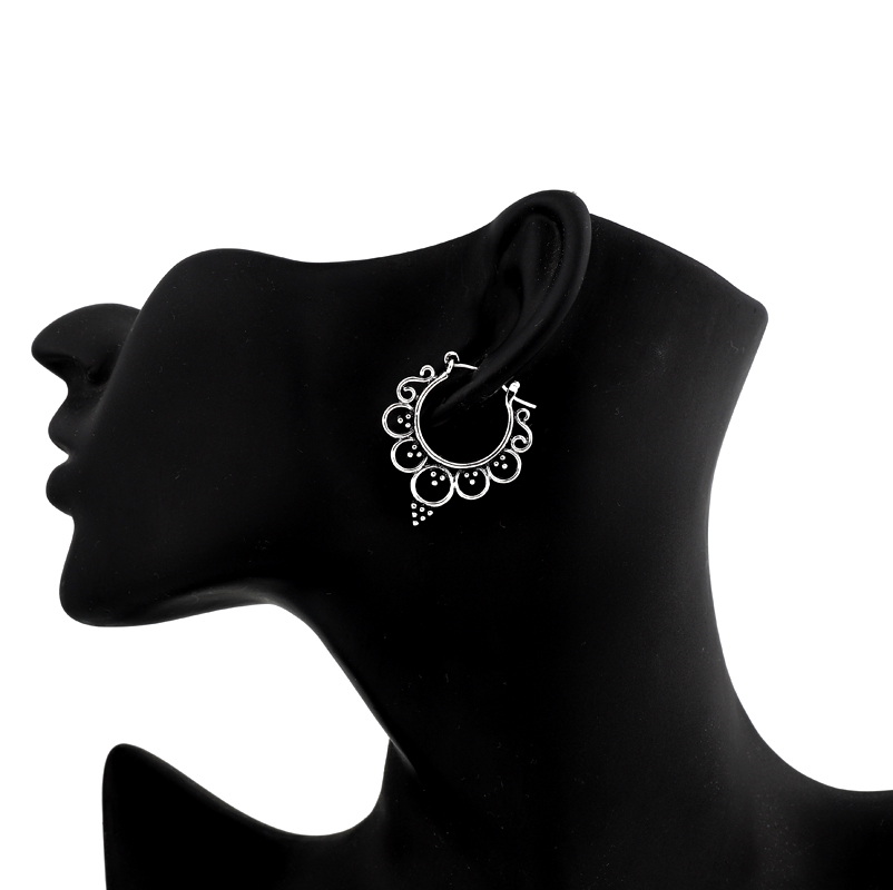 1pair Exquisite Queen Crown Hoop Earrings For Women Retro Antique  Color Hollow Round Circle Earrings Jewelry E15-2
