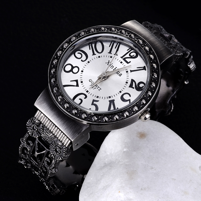Women Bracelet Watch Vintage Quartz Womens Wristwatch Unique Retro Female Ladies Bangle Watches Elegant Masculino Relojes Clock