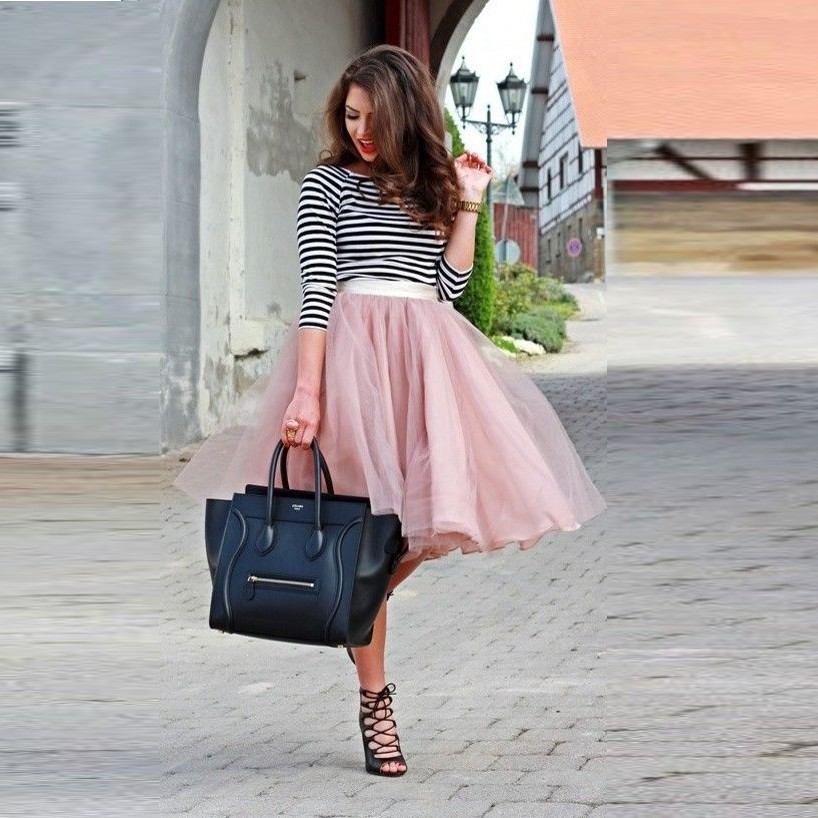 5e99e26e9 استحى الوردي تول حجم الركبة طول التنورة الشحن مع الكشكشة موضة التنورة المرأة  بلون المرأة تنورة 2017 جديد وصول