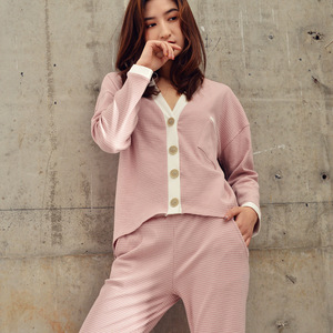 Image 4 - 2019 Bahar Yeni Çizgili Ev Giyim V Yaka Pijama Seti Örme Pamuk kadın Pijama Eğlence Uzun Kollu Pantolon Pijama Pj seti