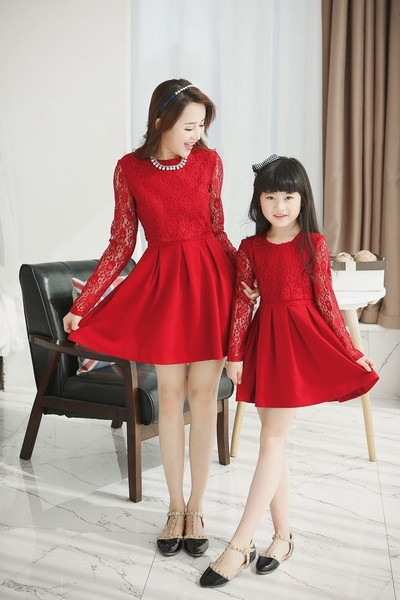 Family set fashion red black color long lace sleeve & lace cover mom and daughter dress mother daughter dresses retai