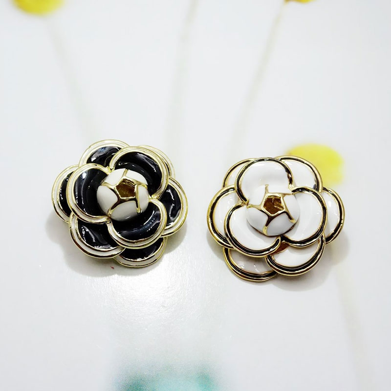 White Black Camellia Flower Brooch For Women Bijoux Elegant Gift Camellias Brooches Pierce in Brooches from Jewelry Accessories