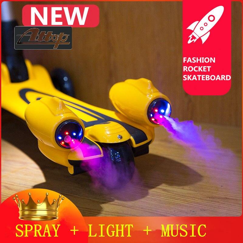 Jouets d'extérieur Ride mode enfant fusée Skateboard Scooter Spray trois roues Flash musique rouleau pli grande taille garçons et filles