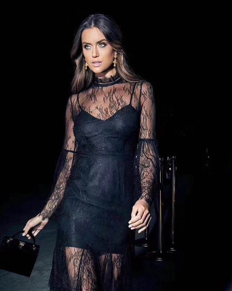 d1c0ac34353 Sexy blanc noir D été Designer 3 Manches Bandage Robes Robe Style Mode  Beige 2018 Longues Dentelle ...