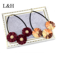 L&H New Bohemia Pendant Necklaces Imitation pearls Lafite Big Flower Charm Necklace For Women 2018 Fashion Sweater jewelry Gift