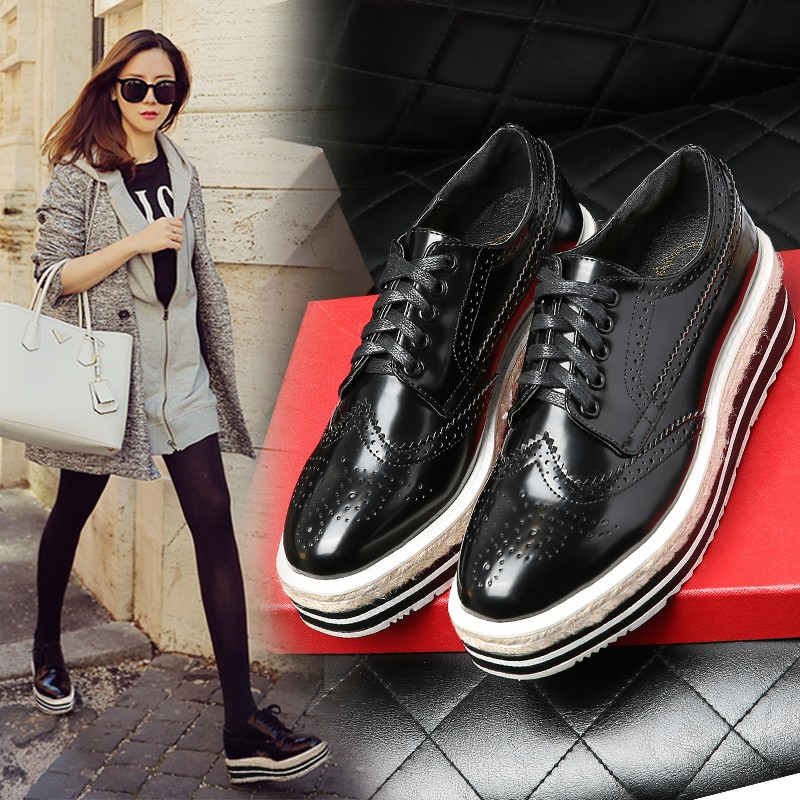 Vintage Women Brogue Shoes Lace Up Hemp Thick Bottom Oxfords Shoes For Women Mirror Patent Creepers Ladies Flat Platform Shoes (6)