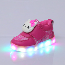 2017 New Design Spring Autumn Girls Hello Kitty Light Shoes For Children Cartoon LED flash Kids Sneakers For Girls Flats Shoes