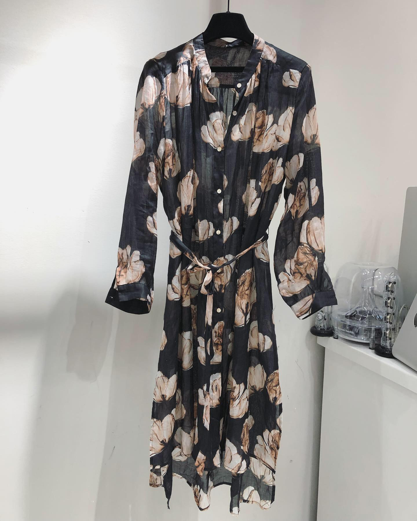 2019 new ladies fashion long sleeved stand collar retro lace print dress 0612-in Dresses from Women's Clothing    1