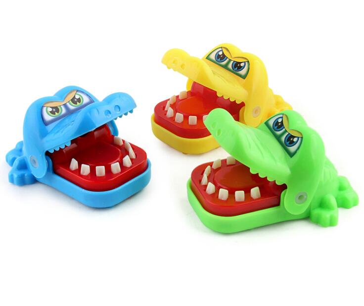 Randomly Delivery Crocodile Jokes Mouth Dentist Bite Finger Game Joke Funny Toy Antistress Gift Kids Child Family Prank Toy